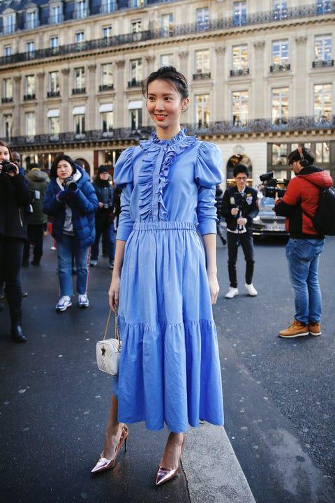 Blue, Cobalt blue, Street fashion, Clothing, Fashion, Electric blue, Denim, Snapshot, Dress, Standing,