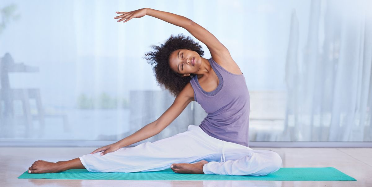 Here's Why Stretching Each Day Is the Healthiest Habit You Can Commit to in 2021