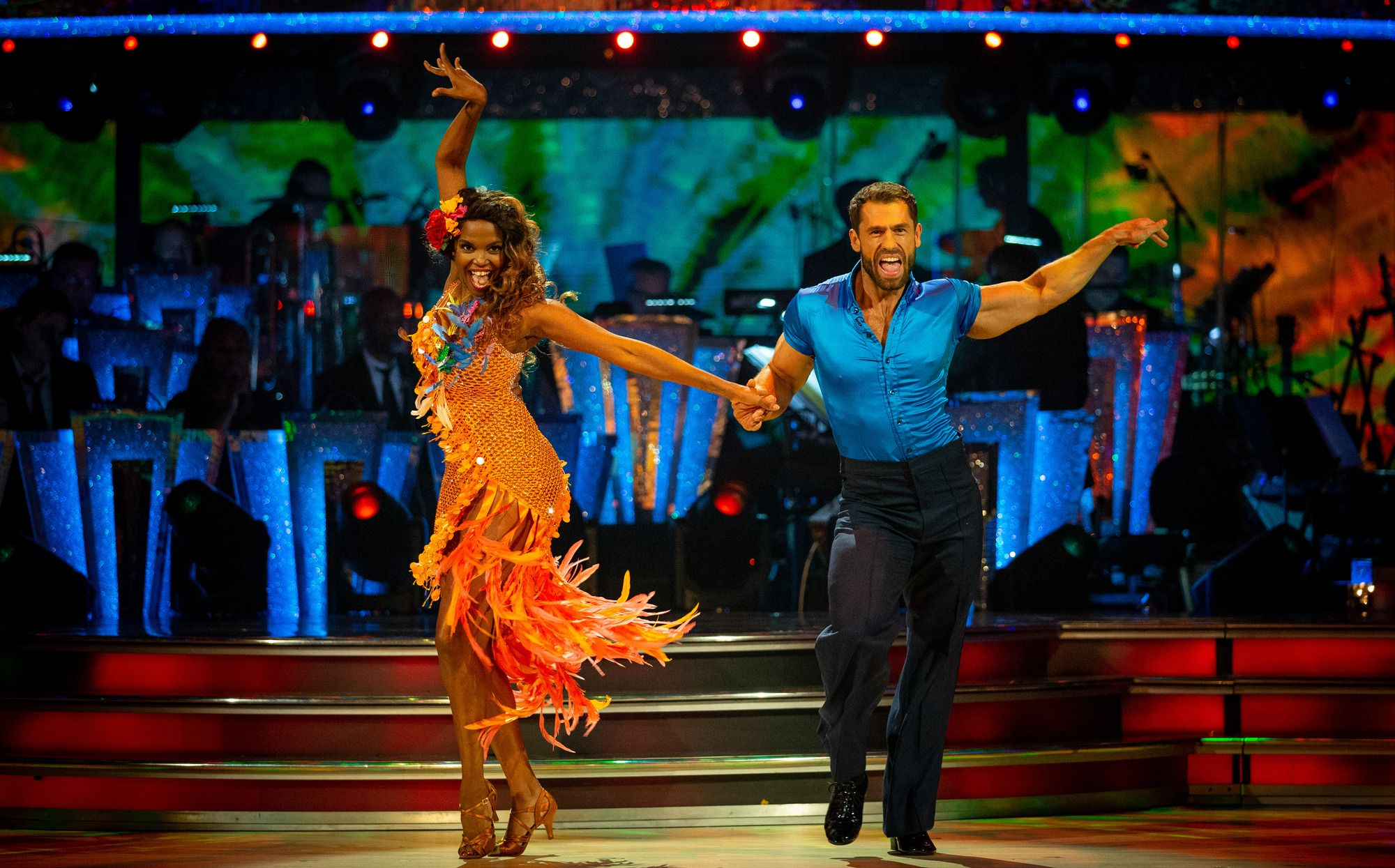 """Strictly Come Dancing's last-minute replacement Kelvin Fletcher tops week one leaderboard with """"electrifying"""" samba"""