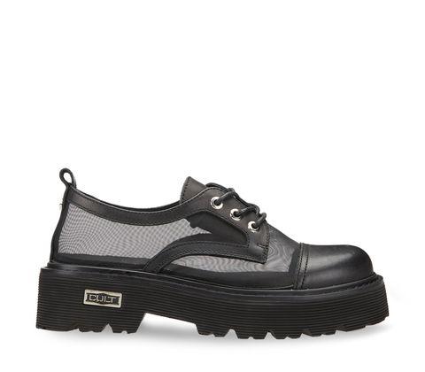 e scarpe stringate da donna sono la tendenza moda primavera 2021