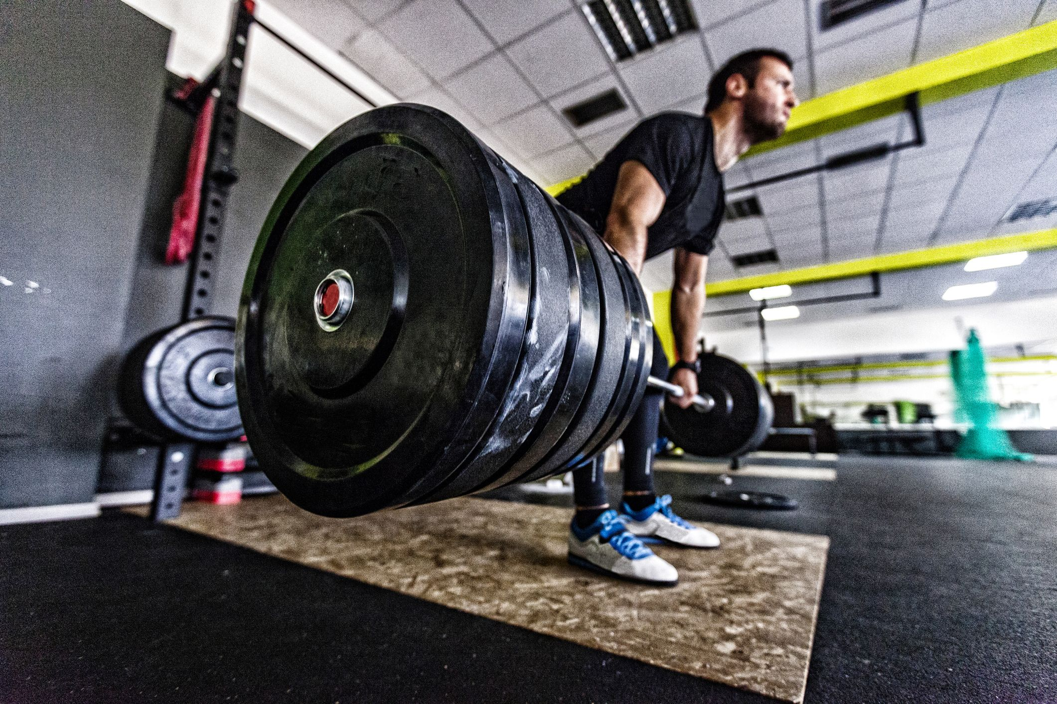 Want to Lift Heavier? Follow These 5 Tips.
