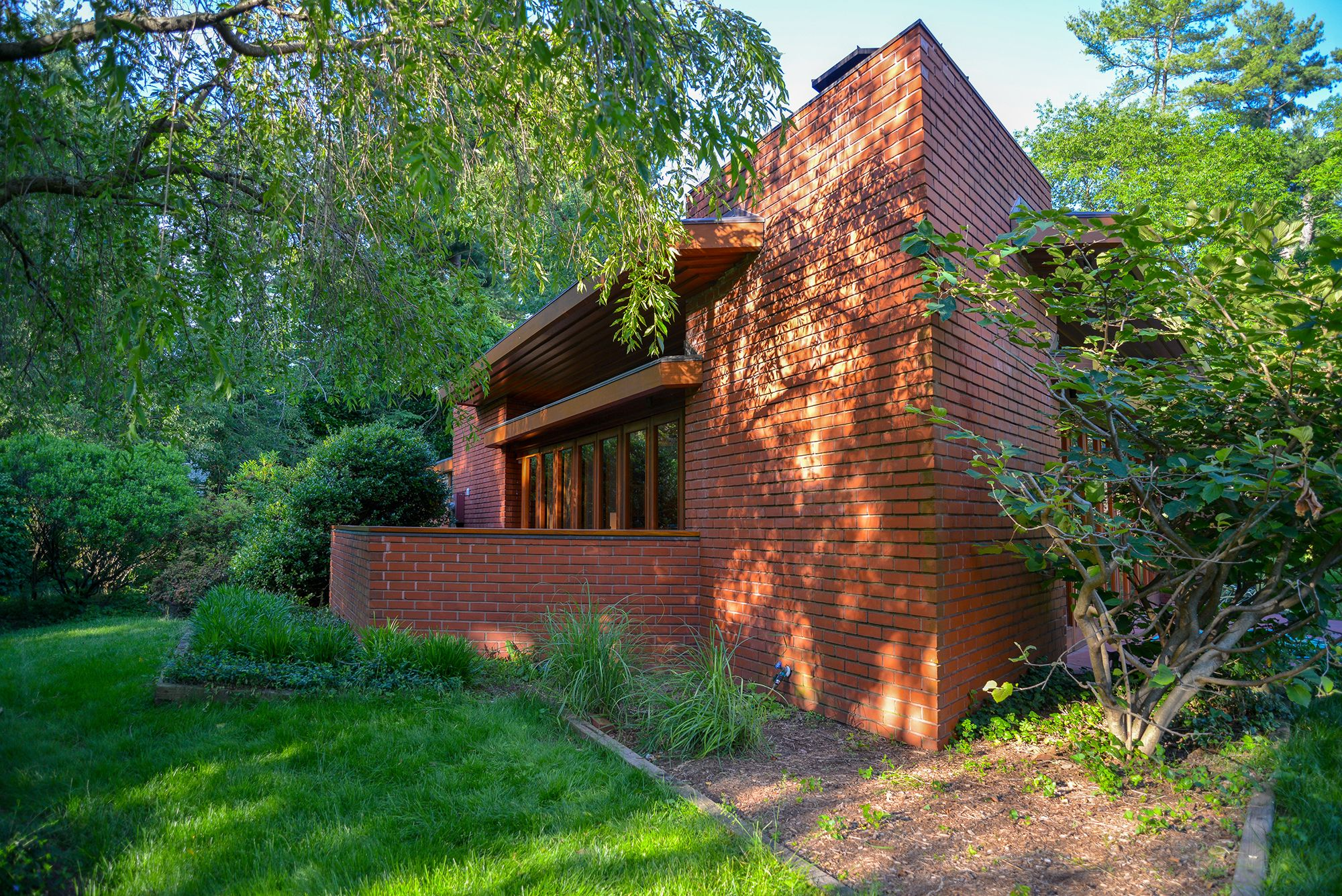 This Stunning Midcentury Frank Lloyd Wright Home is on Sale for $1.2 Million