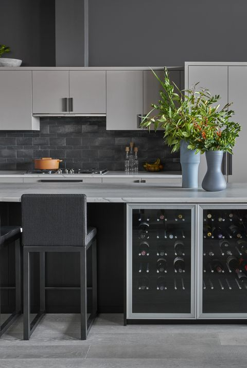 25 Beautiful Kitchens With Dark Backsplashes - Dark Kitchen Backsplashes