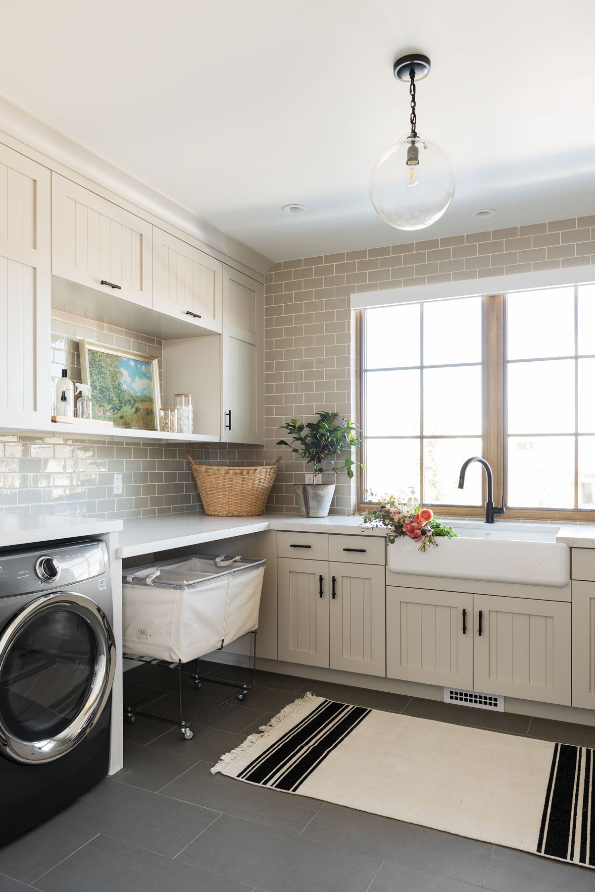 29 Beautiful Laundry Rooms - Decorating Ideas for Laundry Rooms