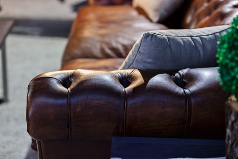 How To Choose and Buy A Vintage Leather Sofa - Vintage Sofas