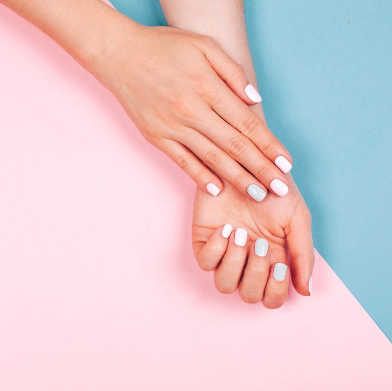 How to remove Shellac nail polish and gel manicures at home
