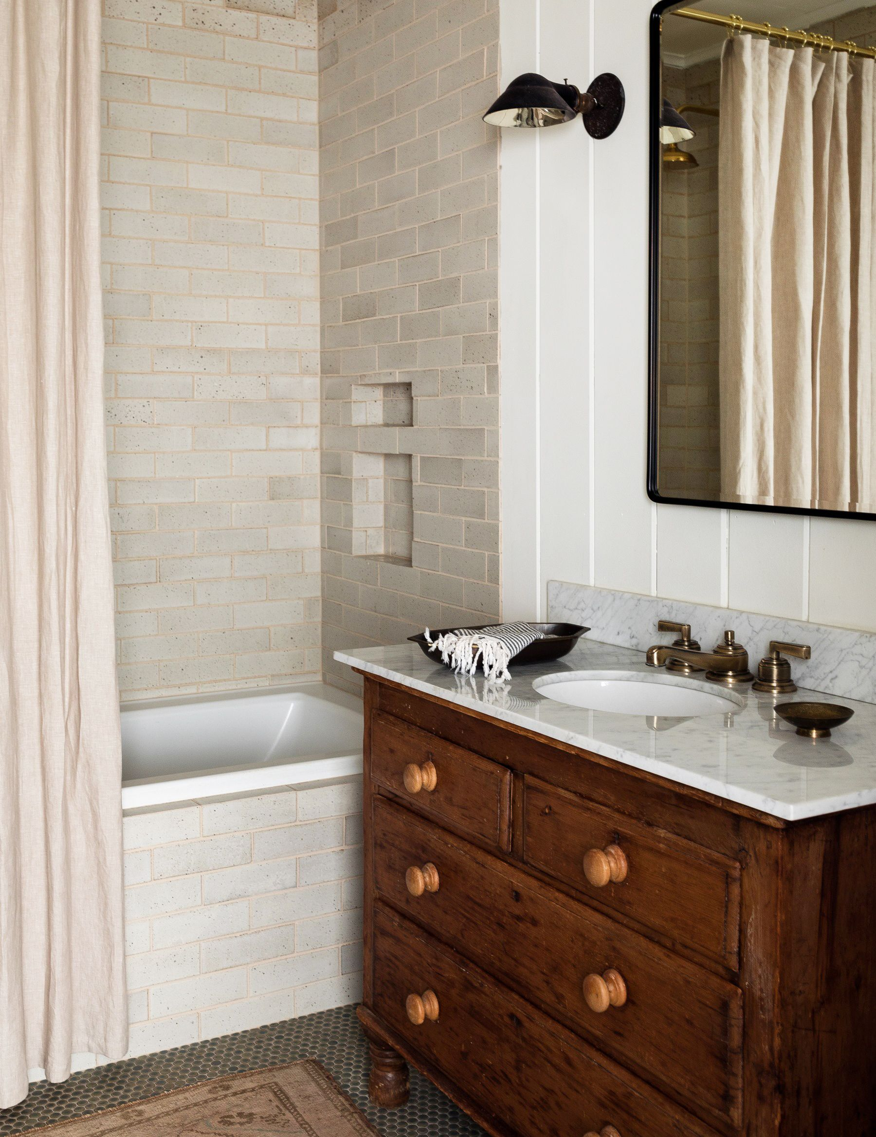 15 Best Subway Tile Bathroom Designs In