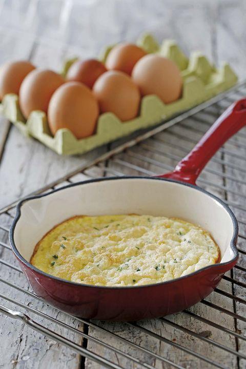 suflé de queso y cebollino