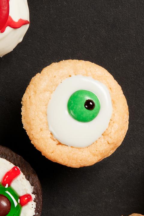 sugar cookie eyeballs halloween cookies