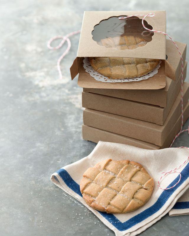 cinnamon sugar lattice cookies