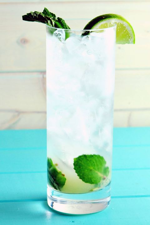 Mojito, Drink, Highball glass, Cocktail garnish, Non-alcoholic beverage, Lime juice, Alcoholic beverage, Limonana, Cocktail, Rickey,