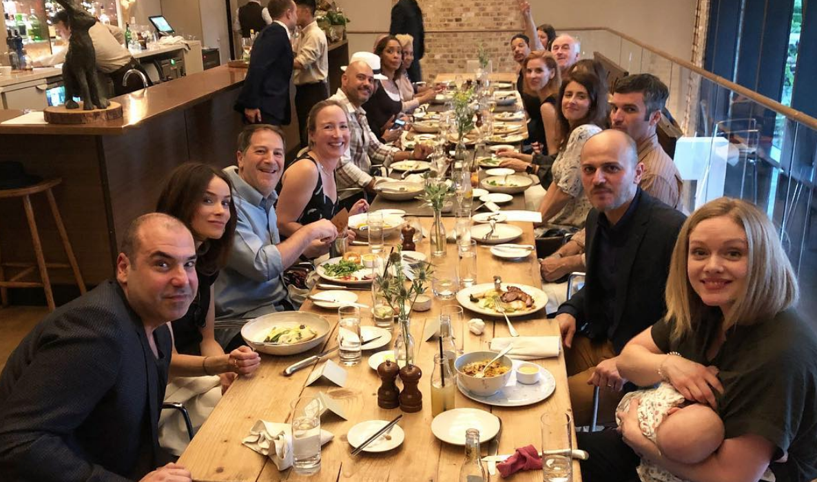 Suits Cast Dinner Before Royal Wedding Cast Of Suits Attends