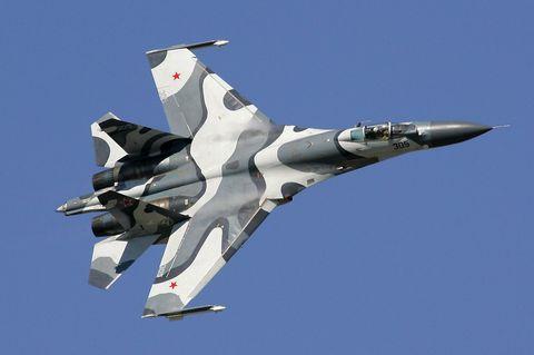 Aircraft, Airplane, Aviation, Air force, Military aircraft, Fighter aircraft, Vehicle, Aerospace manufacturer, Flight, Sukhoi su-27,