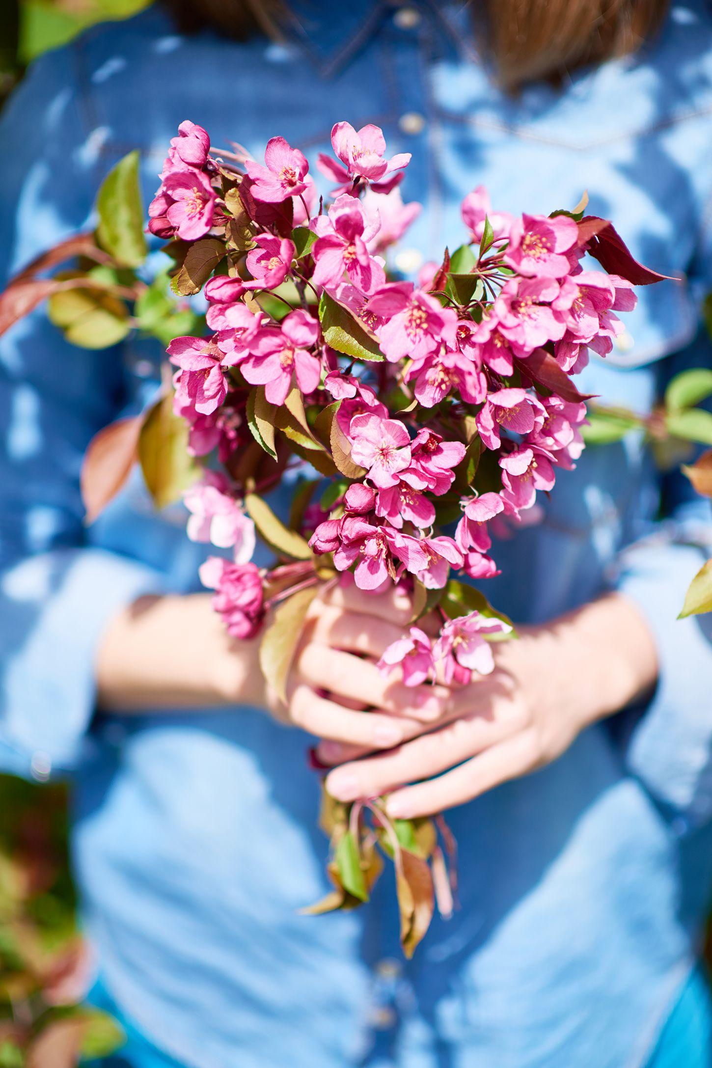 summer bucket list ideas - fresh flowers