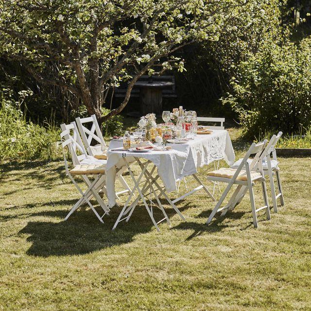 5 ways to transform your backyard into a beer garden