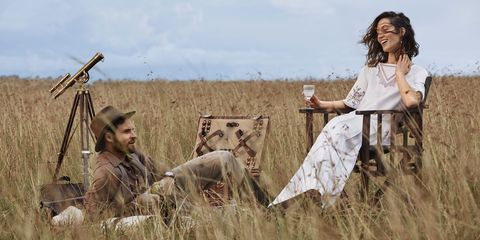 Grass family, Adaptation, Human, Photography, Grass, Straw, Plant, Prairie, Photo shoot, Wheat,