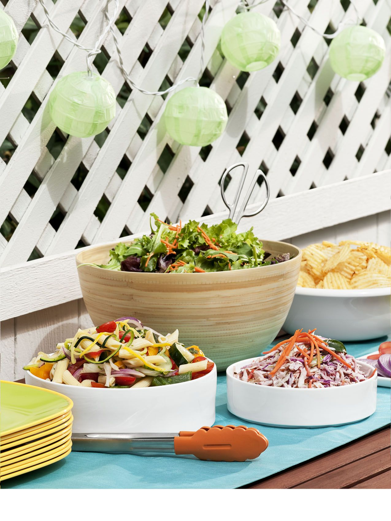 dc676bd6d523 60 Summer Party Ideas and Themes - Outdoor Entertaining Tips