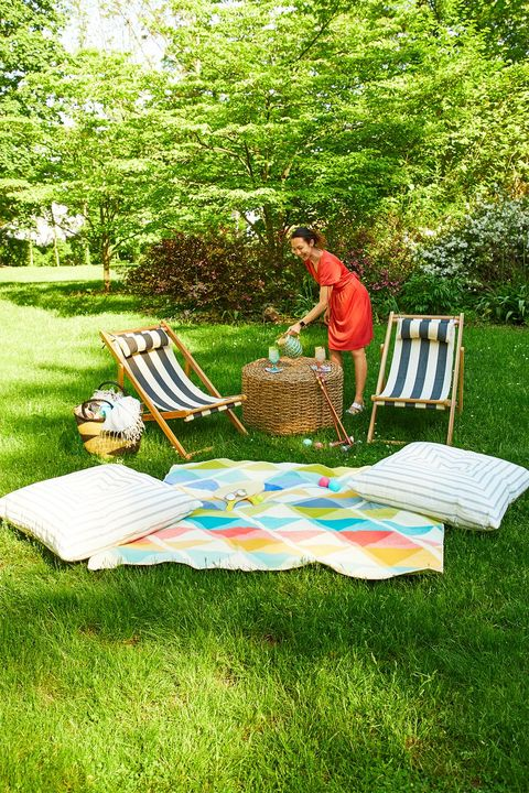 summer party ideas  foldable lawn chairs