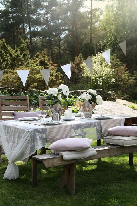 Miraculous 26 Gorgeous Tablescapes For Outdoor Entertaining Summer Beutiful Home Inspiration Ommitmahrainfo