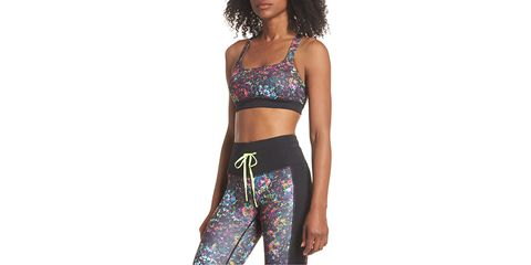 Clothing, Waist, Undergarment, Brassiere, Leggings, Sports bra, Sportswear, Active pants, Crop top, Abdomen,