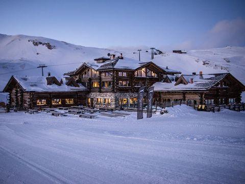 Snow, Winter, Sky, Mountain, Home, House, Cloud, Mountain range, Ski resort, Hill station,