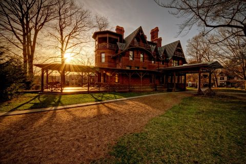 mark twain house and museum in hartford connecticut