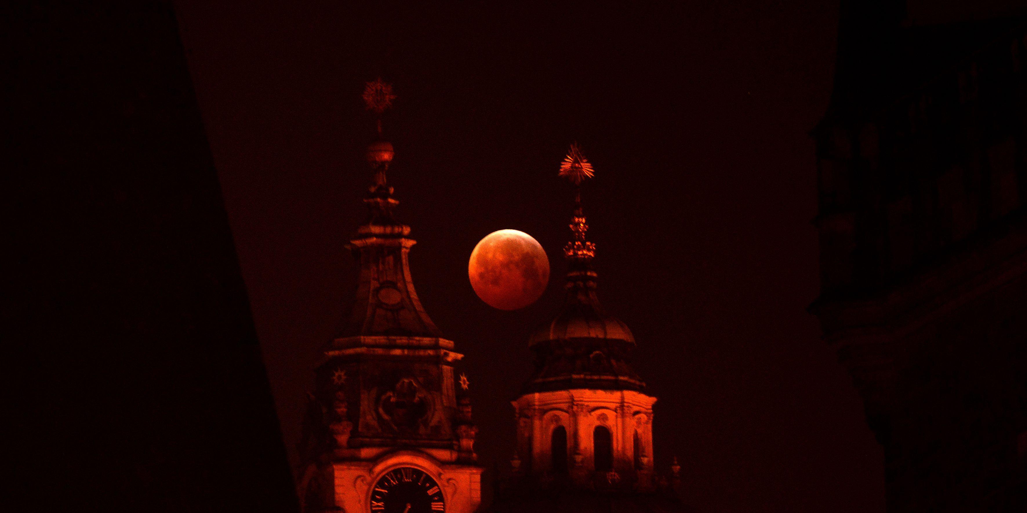 CZE-ASTRONOMY--MOON-ECLIPSE