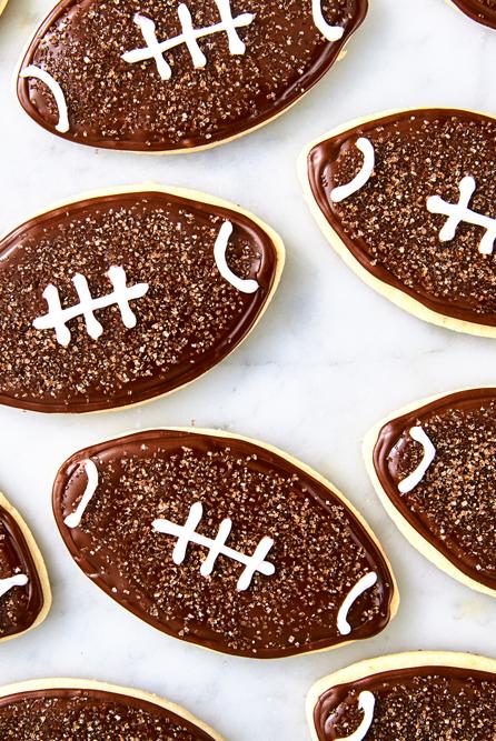 super bowl desserts - football cookies