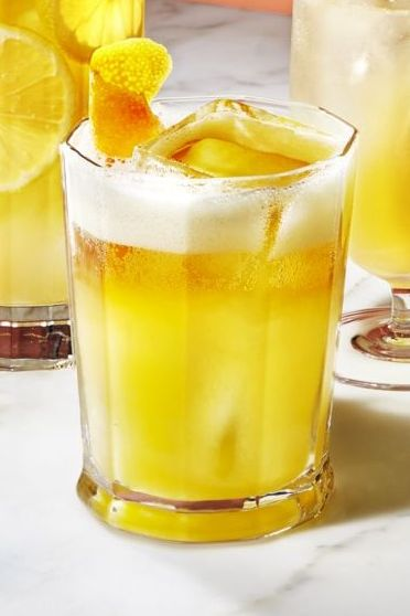 super bowl drinks - bourbon fizz