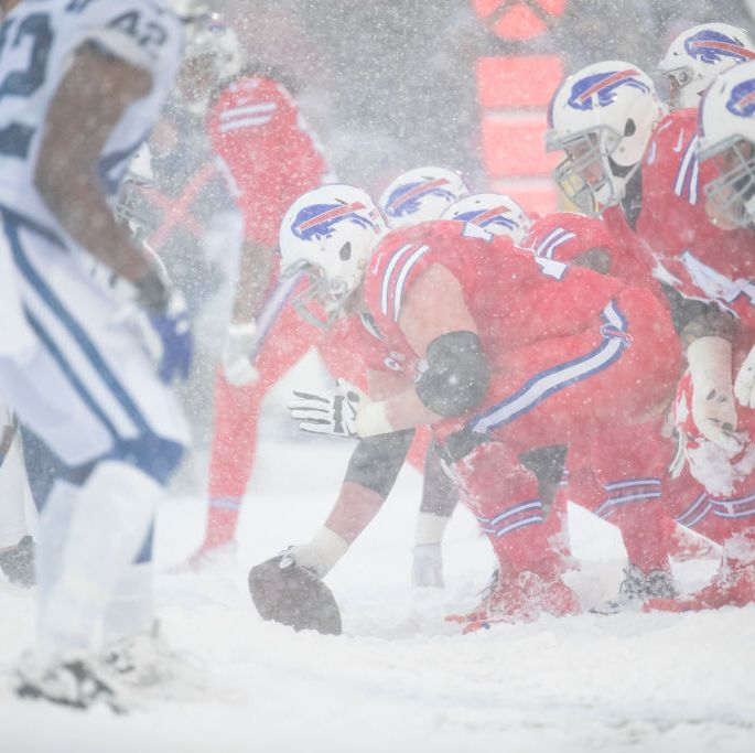 "Farmers Almanac Says There Could Be a ""Major Nor'Easter"" On Super Bowl Sunday"