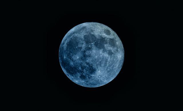 ブルームーン 月 満月 天体 暦