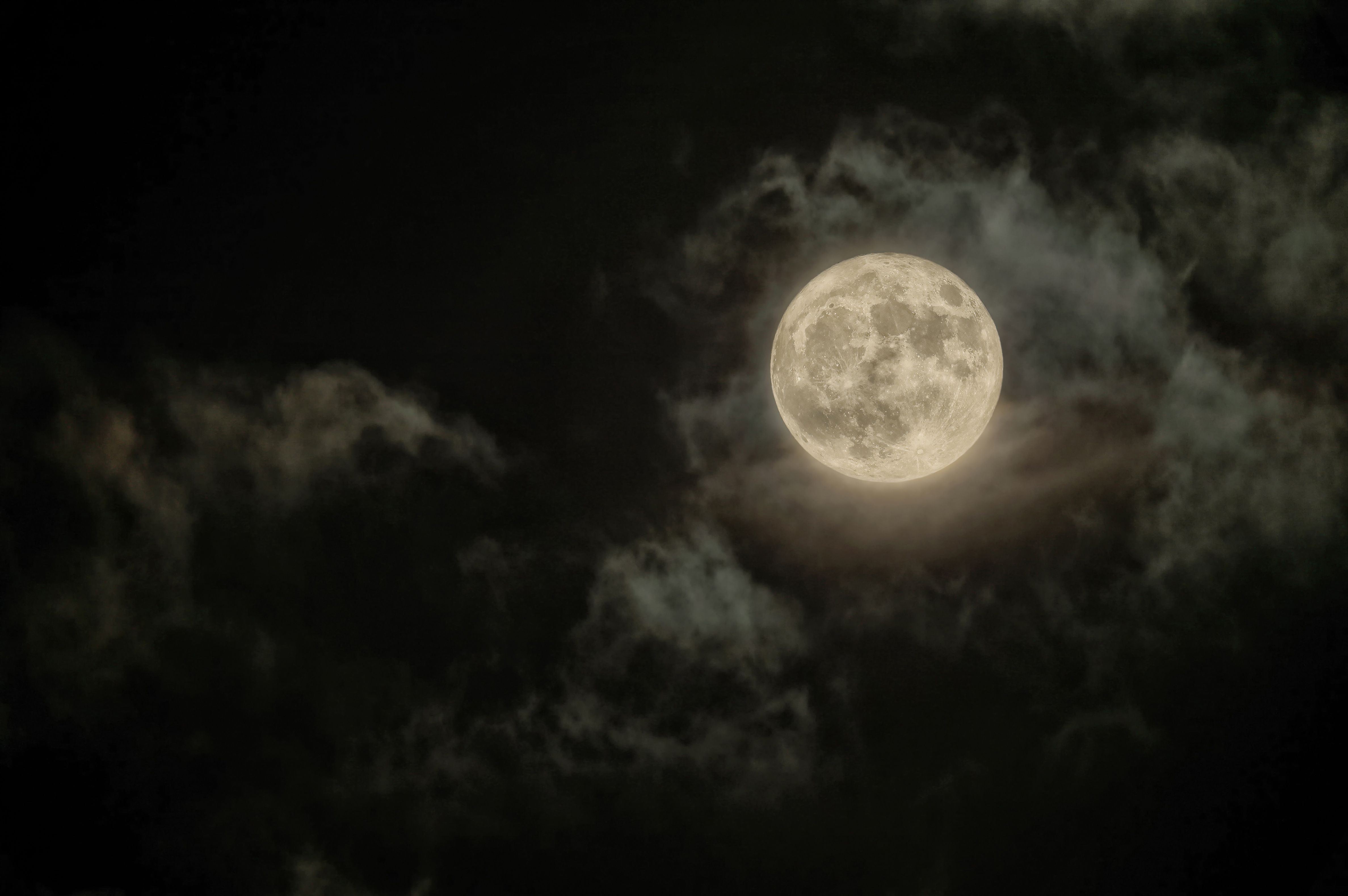 A Super Snow Moon Is Coming Next Week