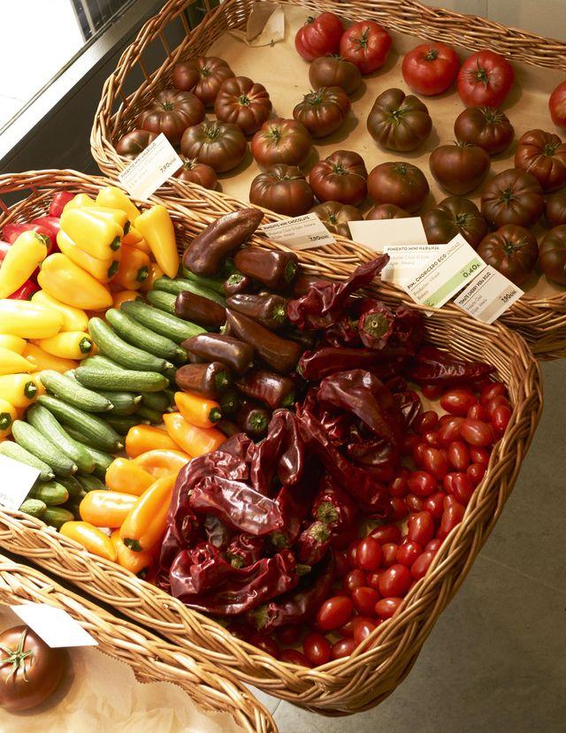tomates y pimientos ecológicos en el súper de los pastores