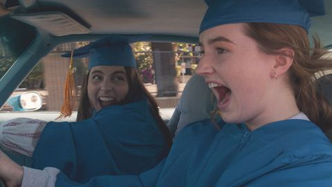 "Kaitlyn Dever y Beanie Feldstein en ""Súper empollonas"""