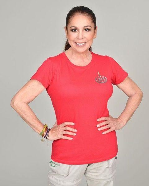 Isabel Pantoja en su foto oficial para Supervivientes