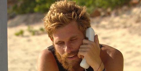 tom brusse recibe la llamada de sandra pica