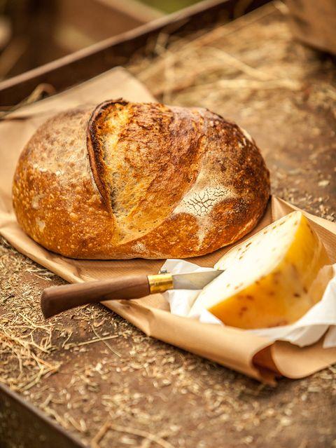 kaas en brood uit de boerderijbox