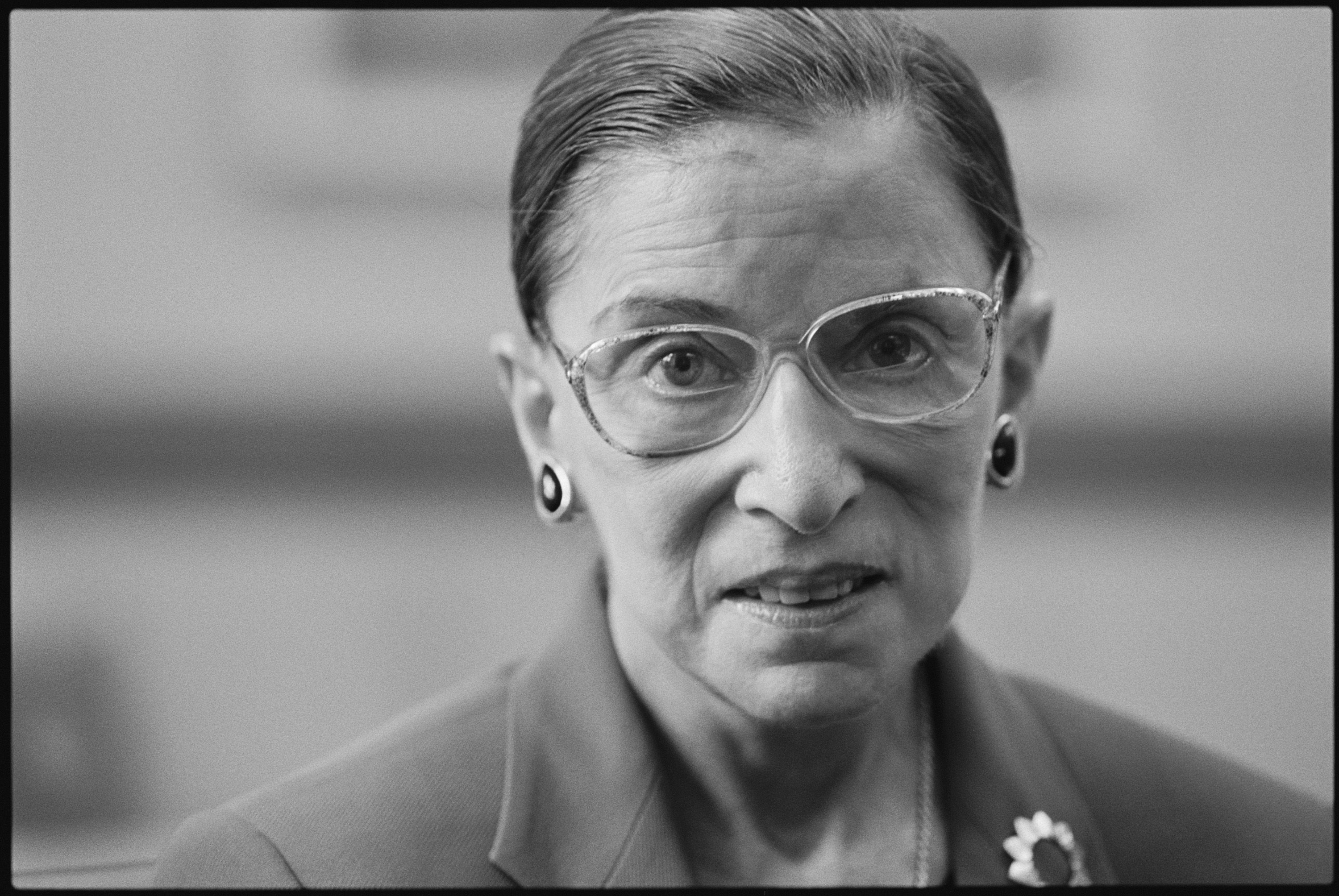 Celebrities and Politicians Pay Tribute to Justice Ruth Bader Ginsburg