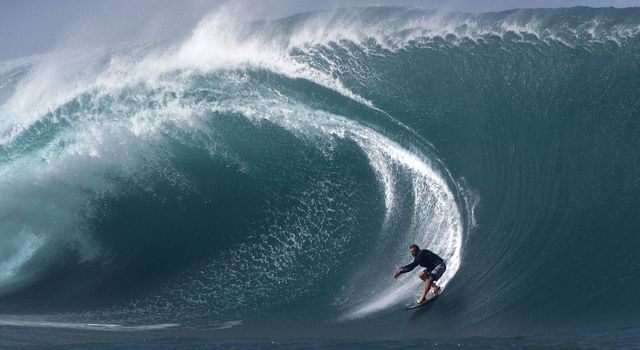 SURFING-FRA-TAHITI