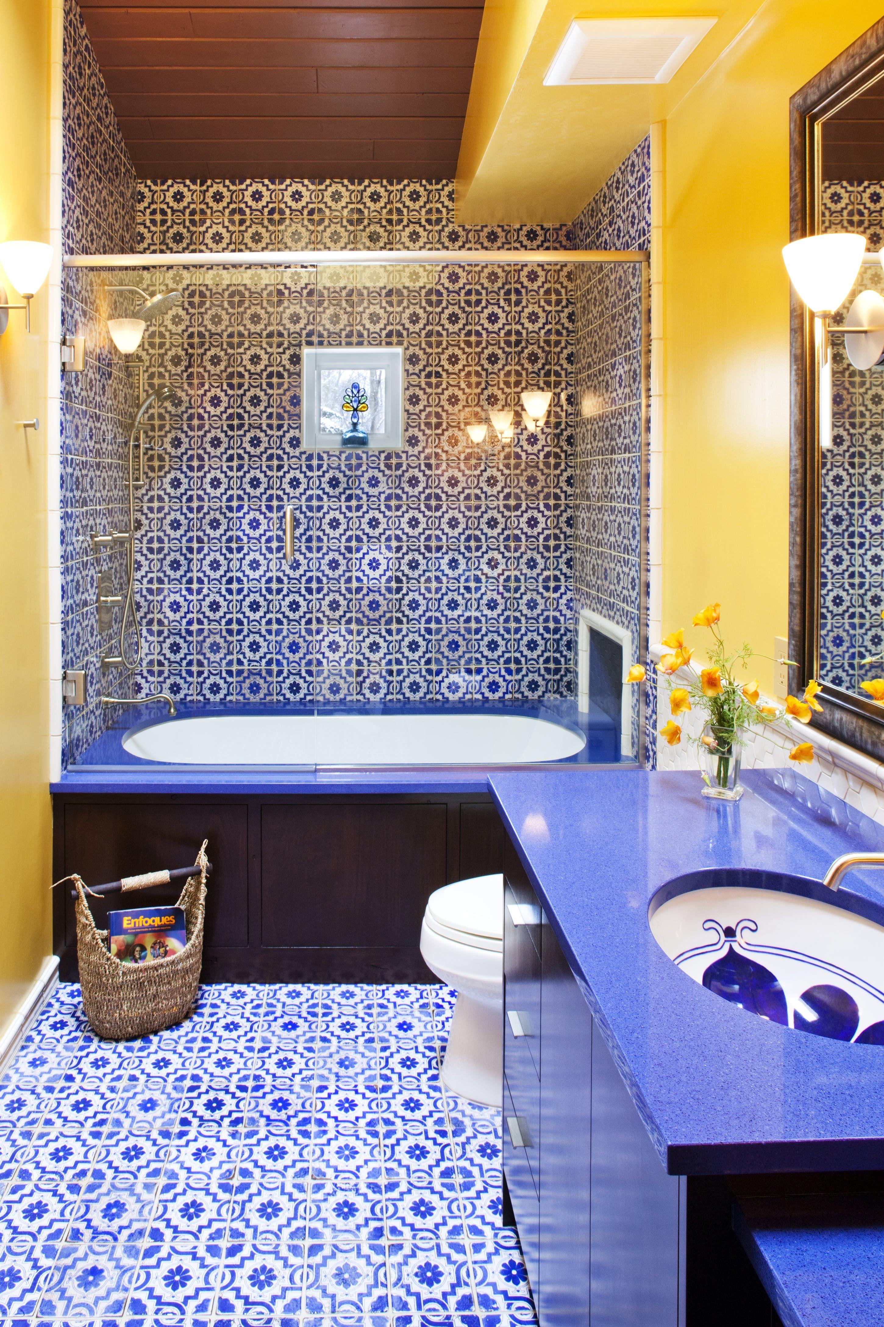 24 Creative Blue And Green Tiled Bathrooms - Best Tiled Bathroom Ideas