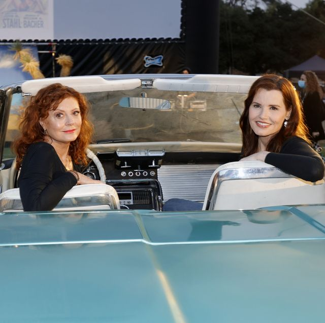 mgm and cinespia host thelma and louise 30th anniversary drivein charity screening experience