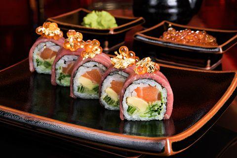 Salmon Sushi Roll