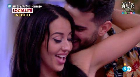 Suso y Aurah bailan en GH VIP