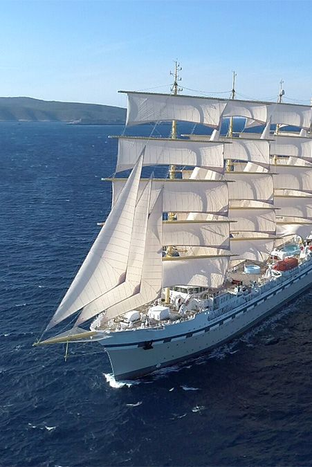 sustainable cruise ship from tradewind voyages, golden horizon
