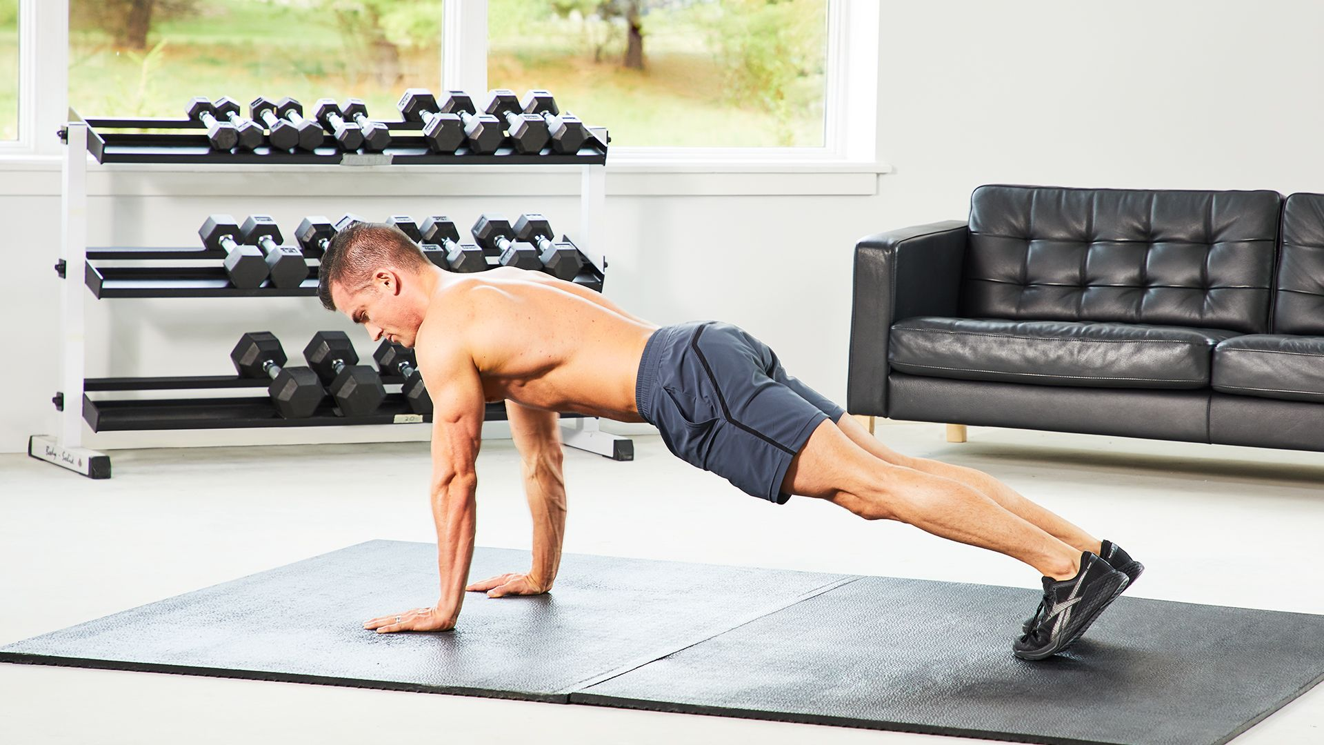 Take On This 7-Minute Bodyweight Blast Home Workout