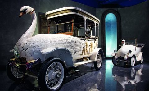 swan and cygnet cars from louwman museum