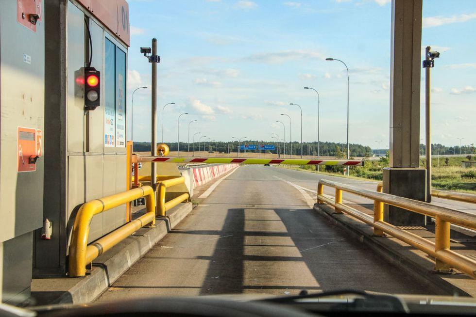 """El Gobierno sugiere un """"pago por uso"""" en determinadas carreteras"""