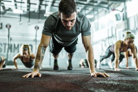rutina de ejercicios para adelgazar fullbody en casa