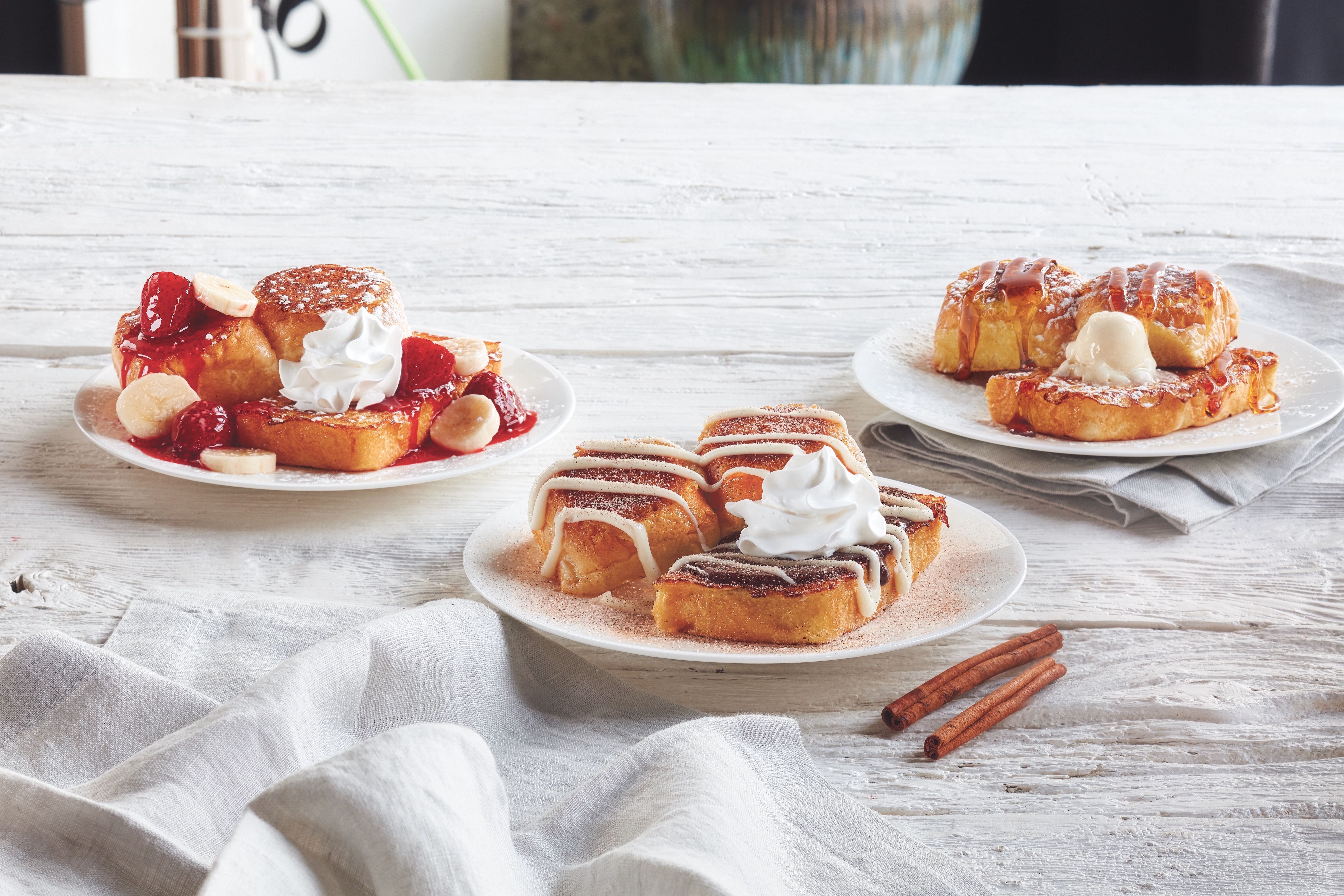 IHOP\'s New French Toast Lineup Is Made With Kings Hawaiian Buns ...