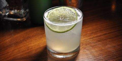 Drink, Alcoholic beverage, Gimlet, Distilled beverage, Lemonsoda, Rickey, Cocktail, Gin and tonic, Caipirinha, Ti'punch,